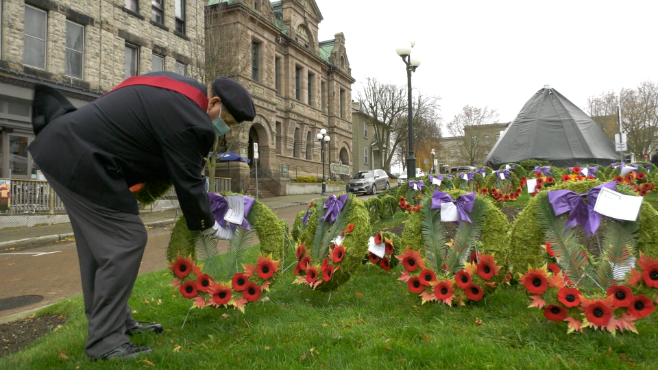 Several wreaths were placed along Courthouse Square in Brockville on Remembrance Day. (Nate Vandermeer/CTV News Ottawa)