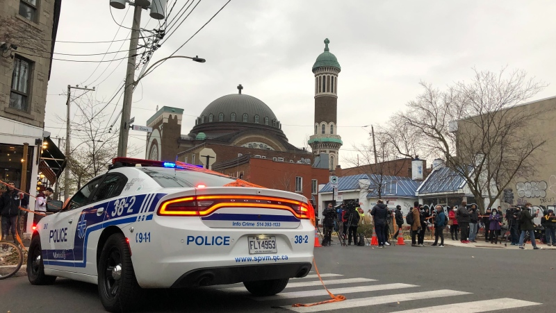 Police operation underway in Montreal's Mile End (image: CTV Montreal/Luca Caruso-Moro)