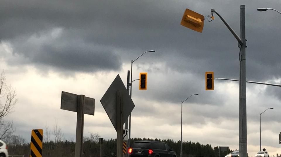 traffic light wind damage