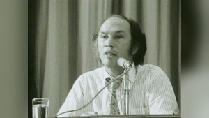 1971: Pierre Trudeau jokes about press coverage