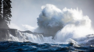 Massive waves are seen crashing against the west coast of Vancouver Island, near Port Renfrew: Nov. 15, 2020 (TJ Watt Photography)