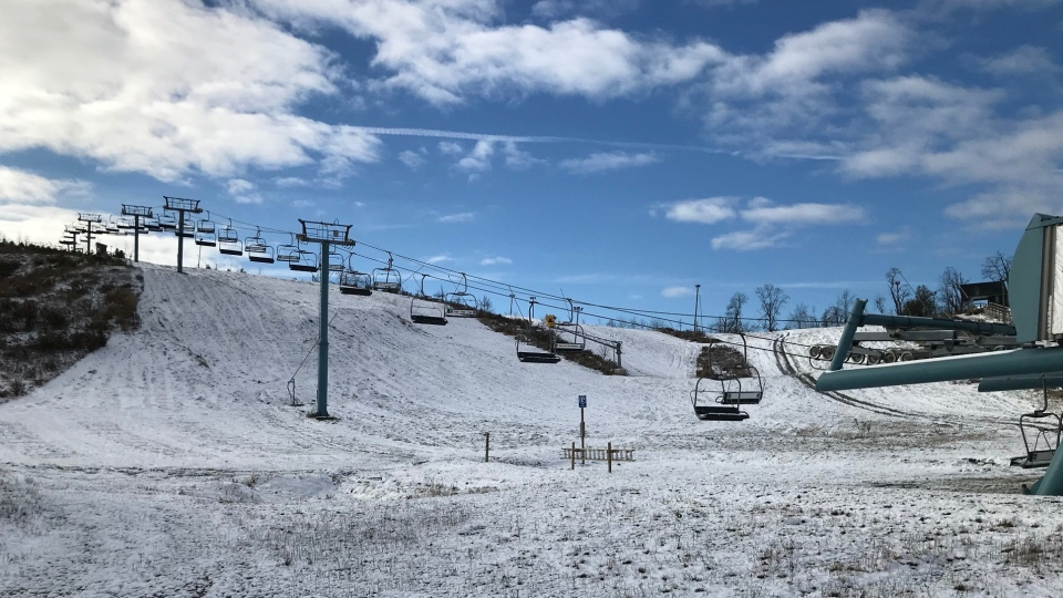 London, Ont.'s Boler Mountain is seen with a light cover of snow on Wednesday, Nov. 18, 2020. (Sean Irvine / CTV News)