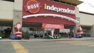 18 years after Ross' Independent Grocer opened, owner Kelly Ross is retiring. (Ian Urbach/CTV News Ottawa)