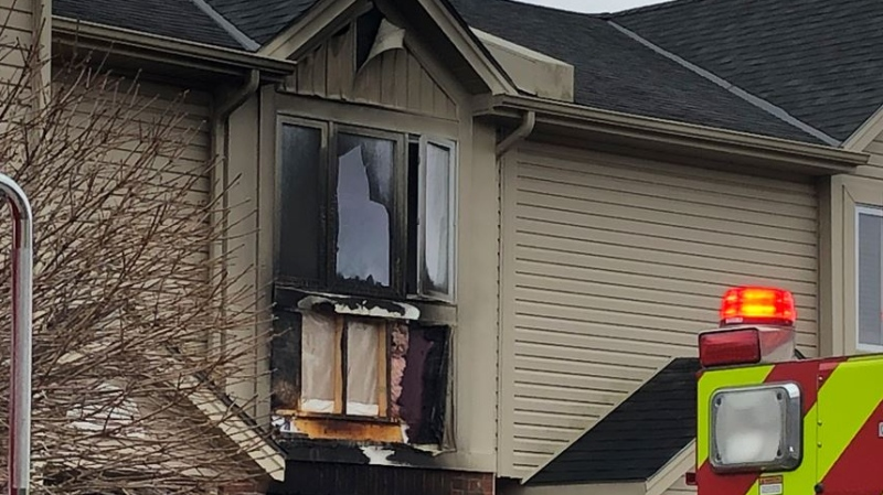 Purser Street house fire in London, Ont. on Nov. 21, 2020. (Jordyn Read/CTV London)