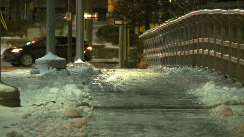 Snowfall warning prompts daytime parking ban