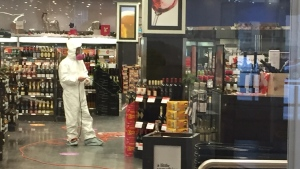 The Grant Park Liquor Mart was closed for cleaning Sunday after an employee tested positive for COVID-19. (Source: CTV News/Gary Robson)