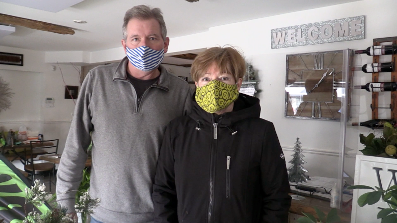 Mike and Linda Sloat, owners of The Curly Willow Eatery in Collingwood. (Mike Arsalides/CTV News)