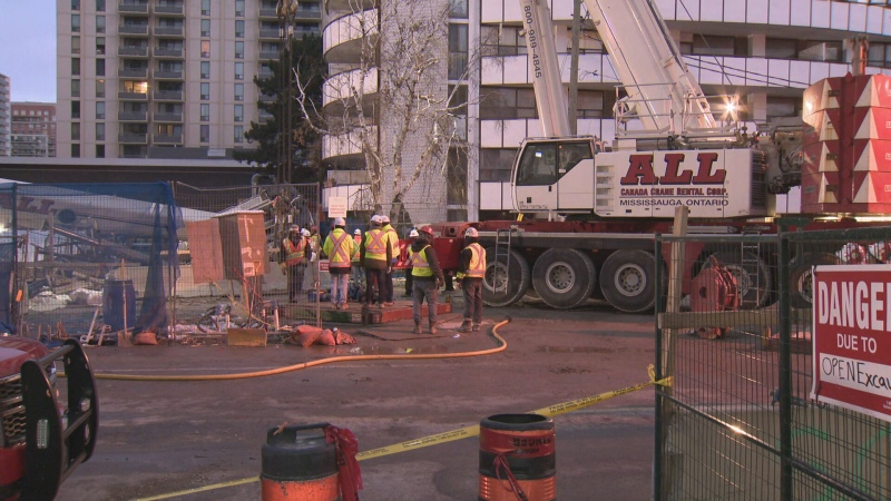 Crane collapses at Toronto LRT construction site