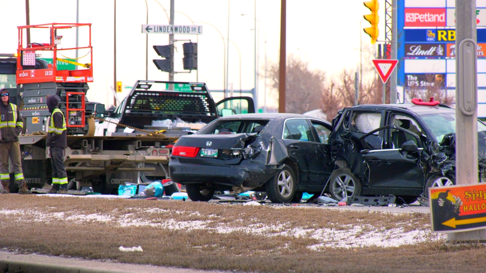 A multi-vehicle crash has shut down parts of Kenaston Boulevard. (CTV News Photo Glenn Pismenny)