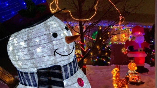Arnprior kicks-off the Christmas season with lights and a drive-by visit with Santa