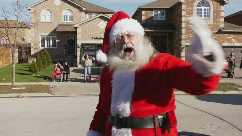 Barrie neighbourhood hosts mini Santa Claus parade