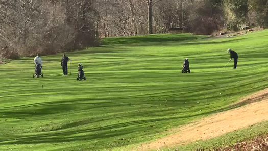 Golfers at Thames Valley Golf Club in London, Ont. November 29, 2020 (Brent Lale / CTV News)