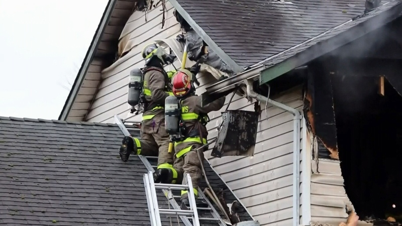 Fire engulfs Pitt Meadows home