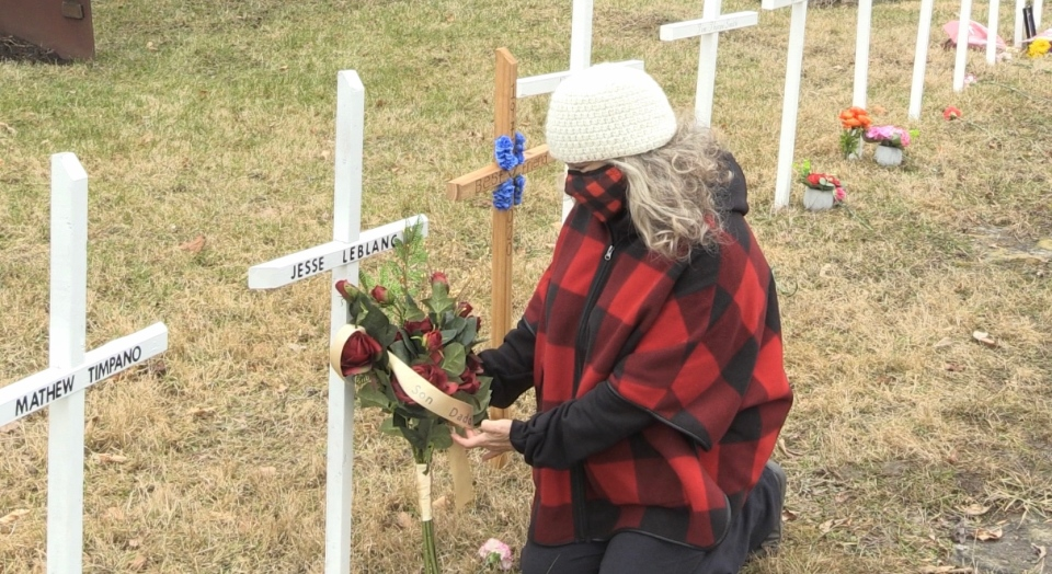 Flowers laid by loved ones of people who died due to a drug overdose. Nov. 29/20 (Molly Frommer/CTV Northern Ontario)