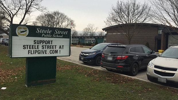 Steele Street Public School in Barrie, Ont. (CTV News Barrie)