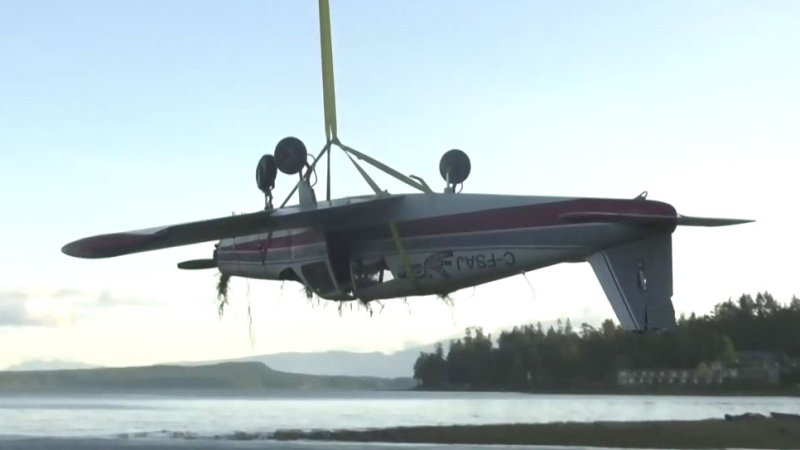 Plane wreckage airlifted after island crash