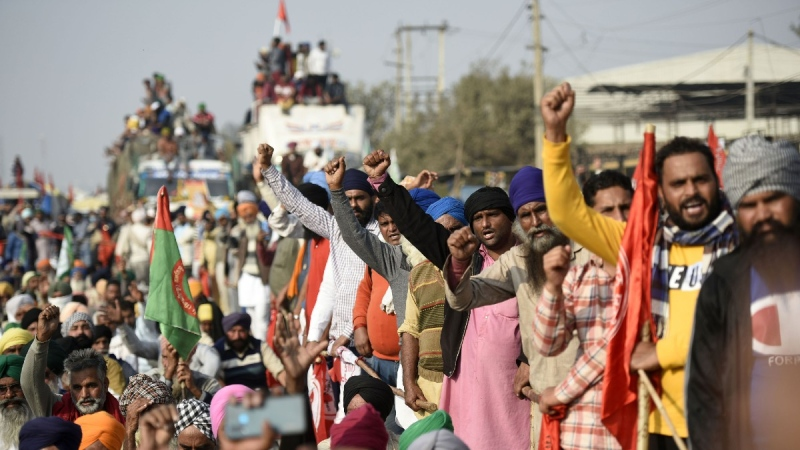 Farmers congregate during day five of the protest against the new farm reform laws at Singhu border on Nov. 30, 2020 in New Delhi, India. (Credit: Biplov Bhuyan / Hindustan Times / Shutterstock via CNN)