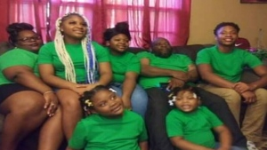 U.S. woman raising 12 children after sister dies
