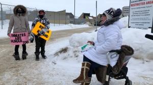 Protesters outside the Saskatoon Correctional Centre on Dec. 1, 2020. (Pat McKay/CTV Saskatoon)