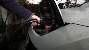 Nissan Leaf driver has battery complaint