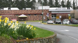 1 staff member and 5 patients at Saanich Peninsula Hospital have contracted COVID-19