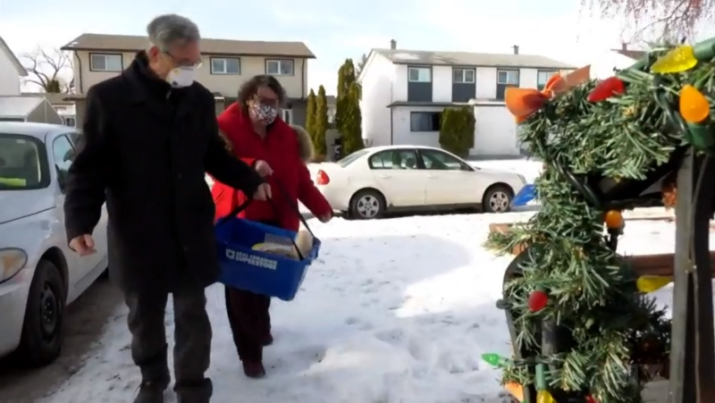 Winnipeg couple Paulette Cote and Peter Czehryn have been dropping off bowls of soup and baking to frontline workers who need a hand from the Winnipeg Soup Fairies. (Source: Scott Andersson/ CTV News Winnipeg)