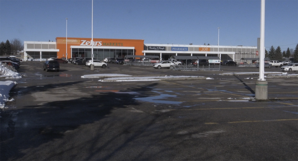 The Zehrs grocery store in Woodstock, Ont. is seen Wednesday, Dec. 2, 2020. (Bryan Bicknell / CTV News)