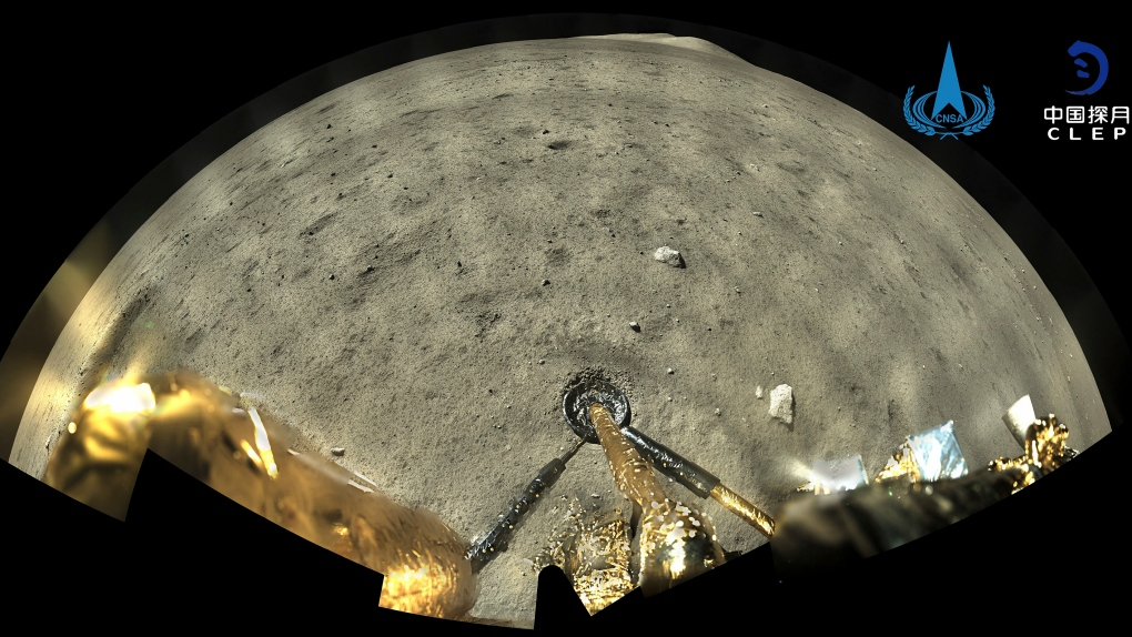 Lander lifts off from moon carrying rocks