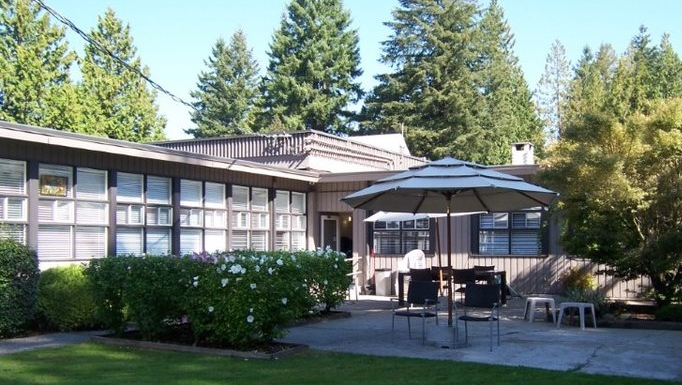 Lakeshore Care Centre, Coquitlam, B.C. (Courtesy of The Care Group).
