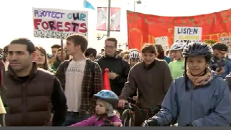 Thousands turned out for a climate change rally on Vancouver's Cambie Street Bridge Saturday afternoon. Oct. 24, 2009.