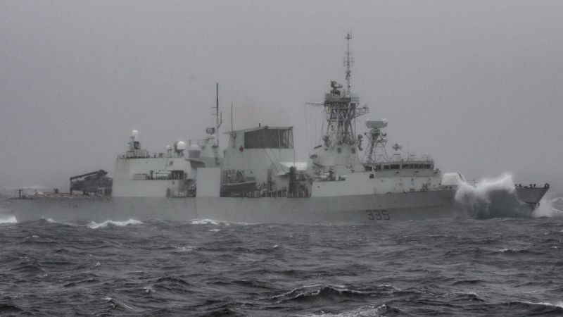 Canadian frigate HMCS Calgary participates in Exercise Trident Fury off Vancouver Island. (Royal Canadian Navy)
