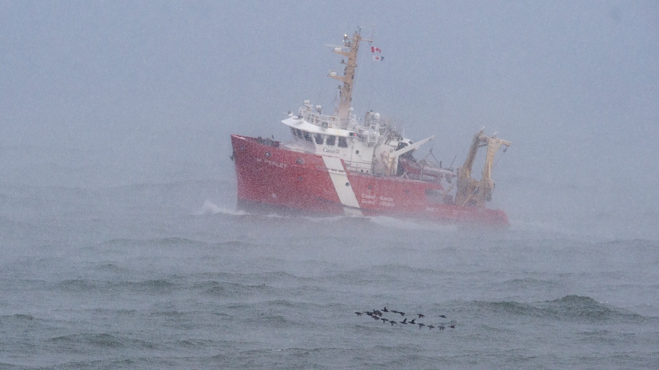 CGGS M. Perley searches Bay of Fundy