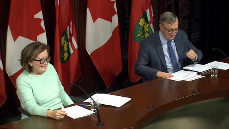 Kanada: Versehentliches offenes Mikrofon enttarnt die Corona-Show