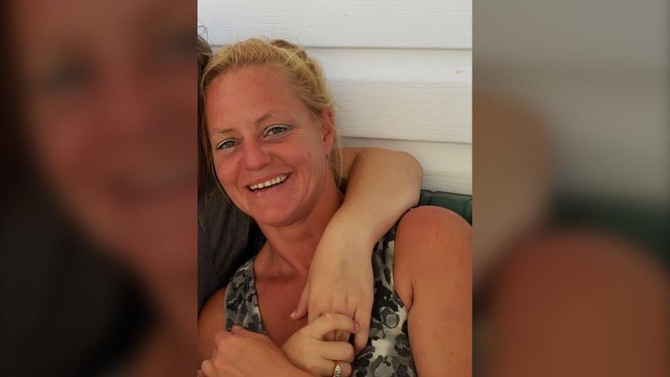 Amanda Oake, 40, was found dead near Tilton Lake R
