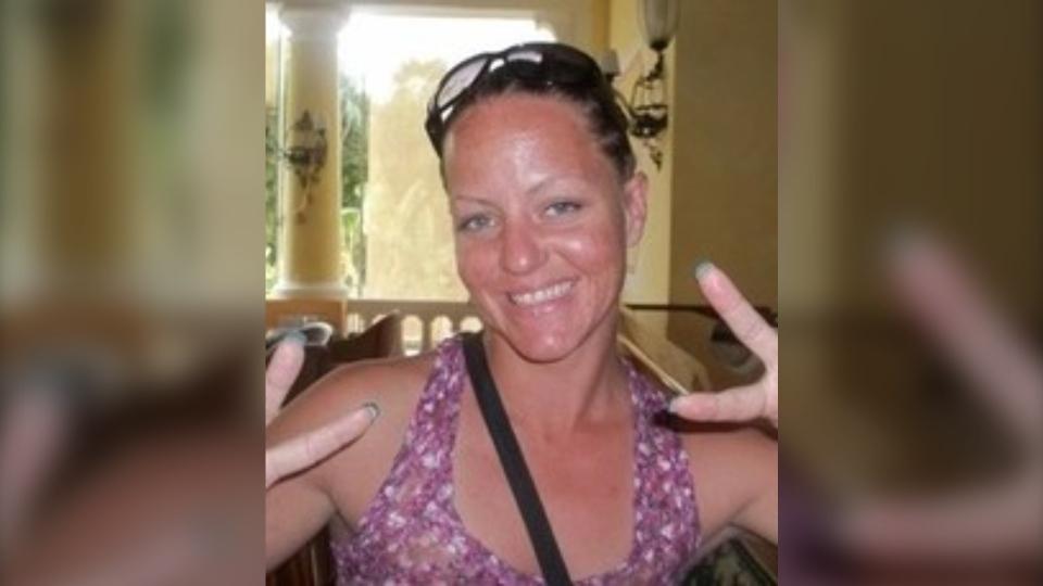Amanda Mary Oake, 40, passed away Dec. 8, 2020