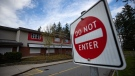 Cambridge Elementary School, which was ordered closed for two weeks by Fraser Health due to a COVID-19 outbreak, is seen in Surrey, B.C., on Sunday, Nov. 15, 2020. (Darryl Dyck / THE CANADIAN PRESS)