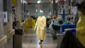 A glimpse into Manitoba's COVID-19 Red Zone Units at the Health Sciences Centre in Winnipeg. (POOL: Mikaela MacKenzie / Winnipeg Free Press)