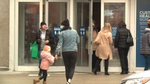 Shoppers enter a mall in Regina, Sask. on Dec. 26, 2020. (Mick Favel/CTV News Regina)