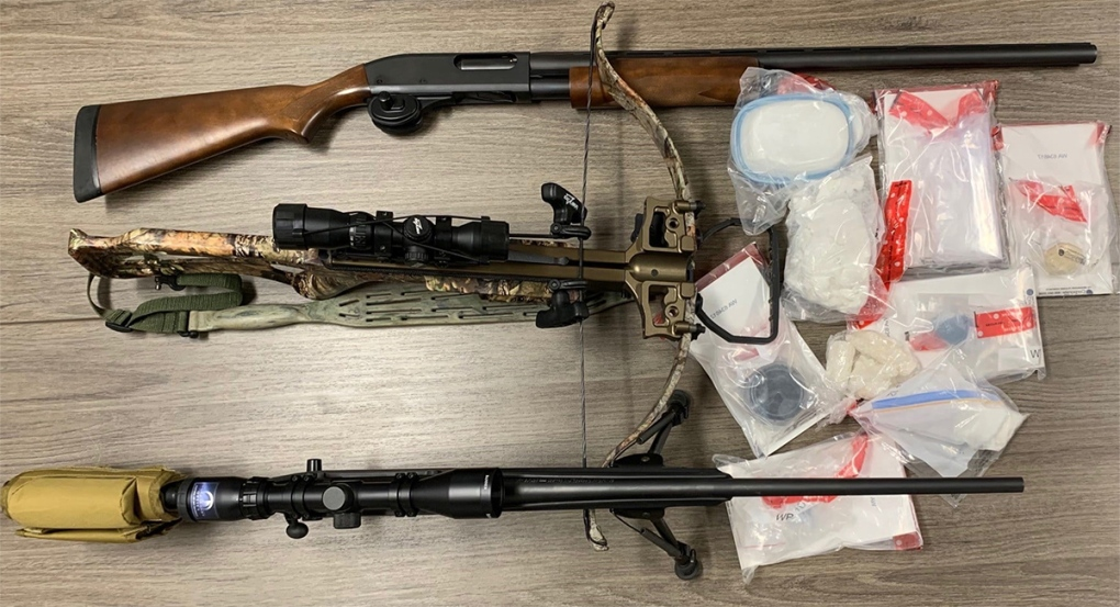Drugs and weapons seized in St. Thomas, Ont.