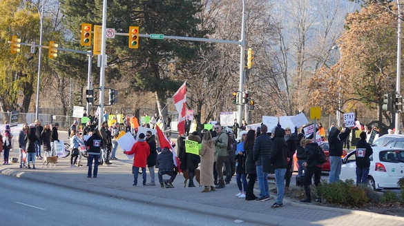 A file photo of an anti-lockdown protest in Kelowna, B.C. on Nov. 28, 2020 (Nicholas Johansen/Castanet News).