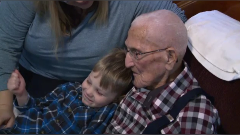 The oldest Canadian-born man, Arnold Hawkins of Beaver Harbour, N.B., turns 110 on Saturday and has thousands of birthday cards to read.