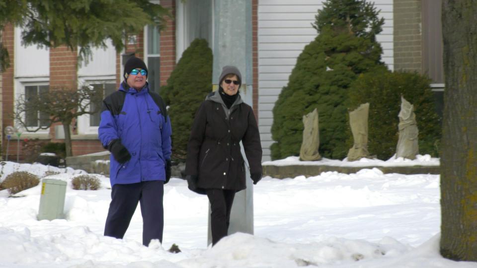 Couple walking in Brockville