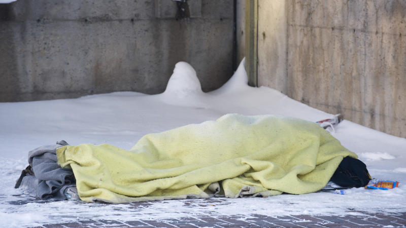 Montreal calls on the Quebec government to exempt the homeless from the curfew after a homeless man died near a shelter during curfew.