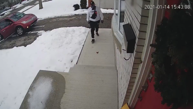 Waterloo police are looking to speak to this person who allegedly stole a package (Supplied: WRPS)
