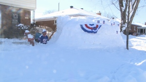 "Bills fan Arty Hurst built the ""Diggloo"" to watch Bills games during the NFL playoffs. (Mike Mersereau/CTV News Ottawa)"
