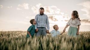 Mathieu and Lesley Kelly love their life on their farm in Saskatchewan, but the two have been through their share of mental health struggles, something they say affects a lot of those in agriculture. (Kelly family)