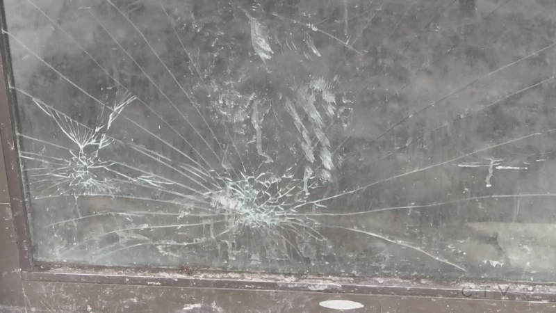 Window smashed at Hope's Kitchen in North Bay. Jan. 25/21 (Eric Taschner/CTV Northern Ontario)