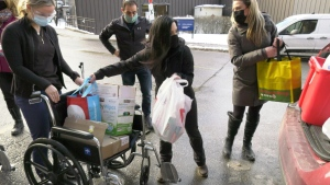 Stronger Together Fitness drops off items to staff at the Ottawa Hospital Civic Campus. (Dave Charbonneau/CTV News Ottawa)