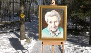 A Capreol man, inspired by a recent talk with Holocaust survivor Eva Olsson, has painted her portrait to honour her life and legacy. Olsson has been touring the nation speaking with students both in-person and now virtually to share her experiences. (Ian Campbell/CTV News)