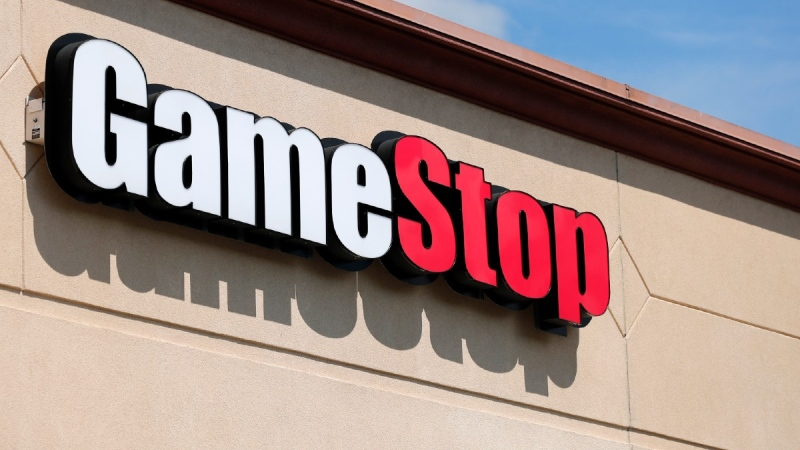 A GameStop store in St. Louis, on May 7, 2020. (Jeff Roberson / AP)